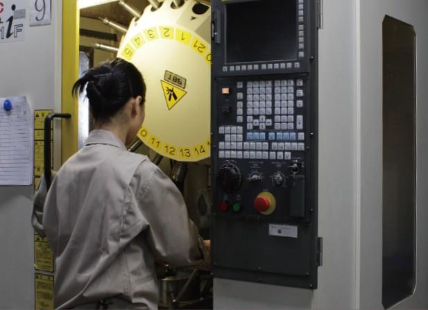 メーカー: FUNAC 形式: α-T21iFB 加工範囲: 600×400×400